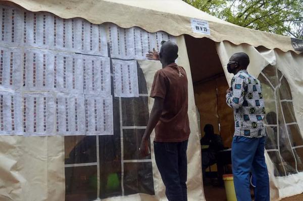 Au Mali, le parti présidentiel en tête des législatives mais sans majorité absolue